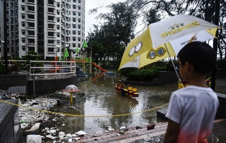 Hong Kong luego del paso del tifón Hato