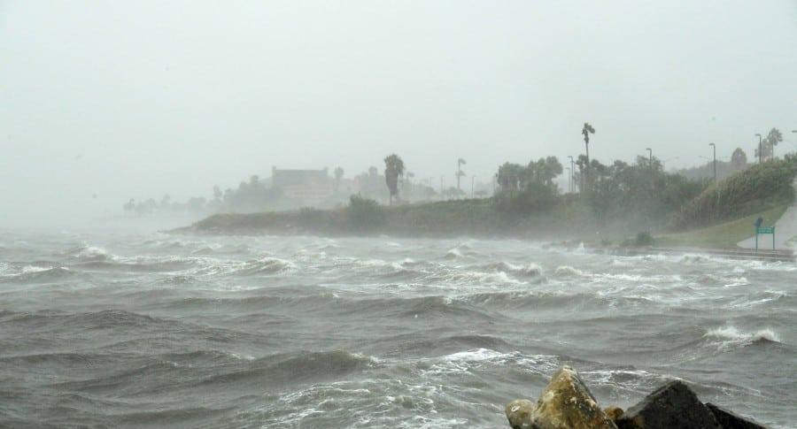 Huacán Harvey amenaza las costas de EE. UU.