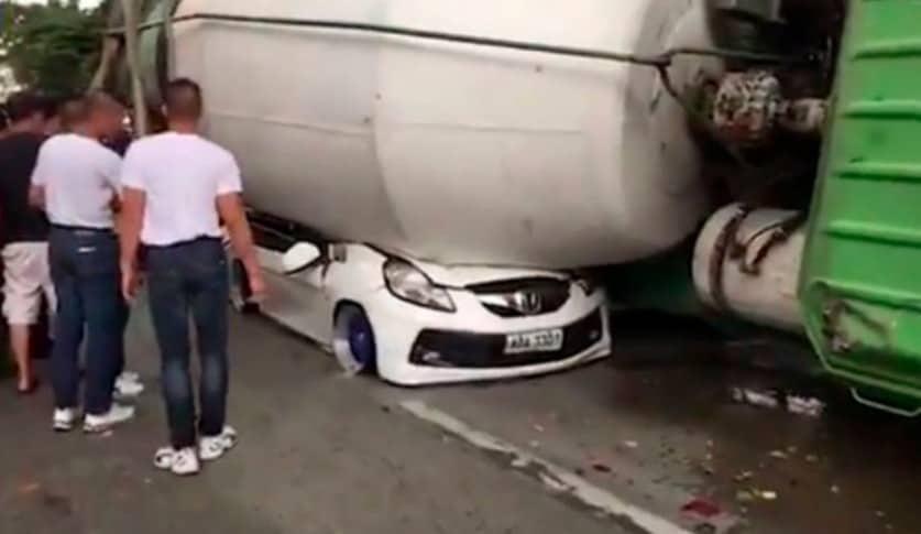 Carro aplastado por una hormigonera. Pulzo.