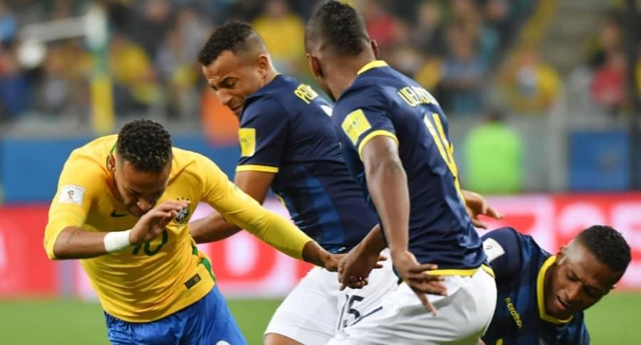 Neymar en partido Brasil vs. Ecuador