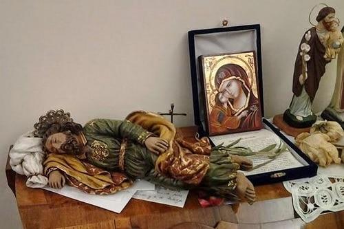 San José dormido en la habitación de Francisco