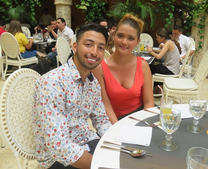 Yuris Alexander Teherán y su novia Diana Martínez Bernal.