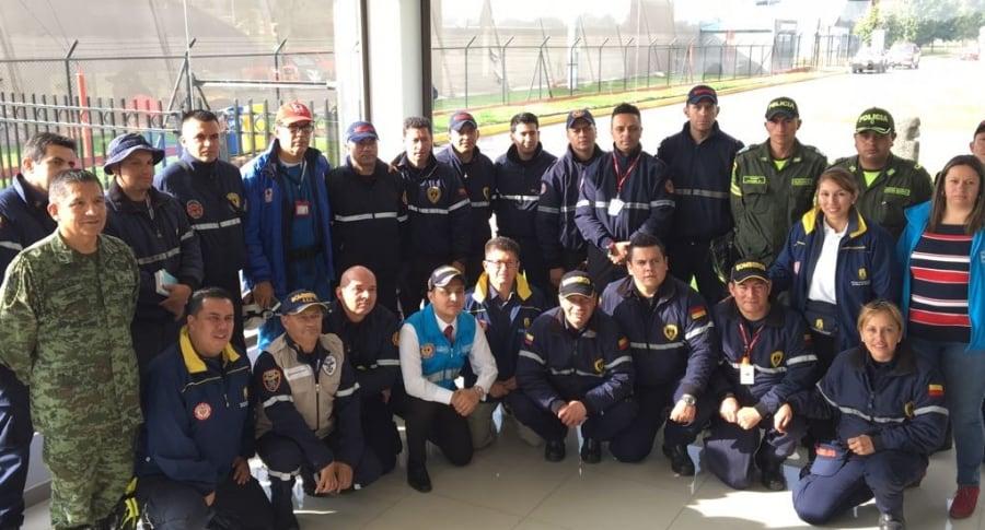 Grupo de Bomberos que apoyará rescates en México