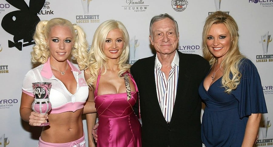 Kendra Wilkinson, Holly Madison, Hugh Hefner y Bridget Marquardt