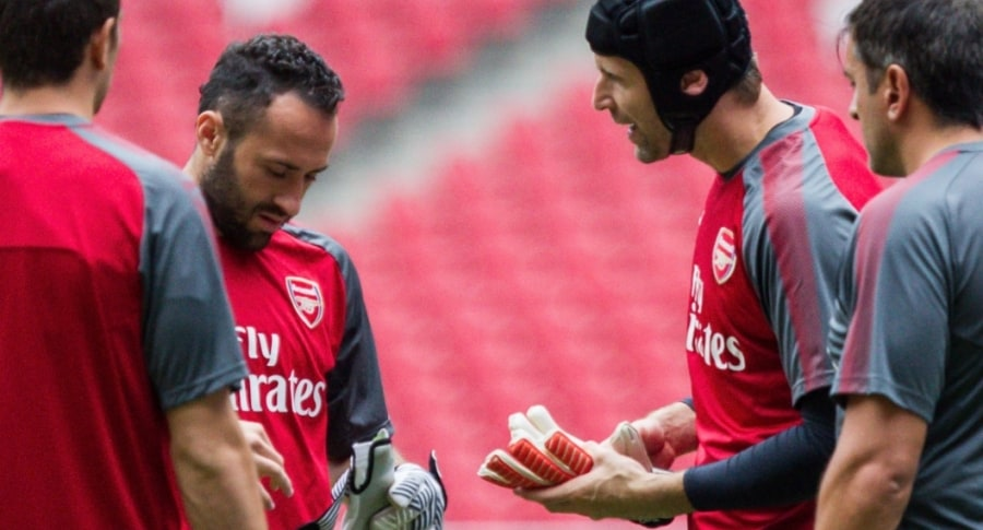 David Ospina y Peter Cech