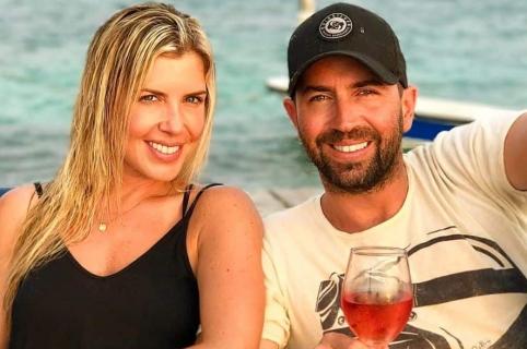 Lucas Arnau, cantante, y su esposa Catalina Pérez, modelo paisa.