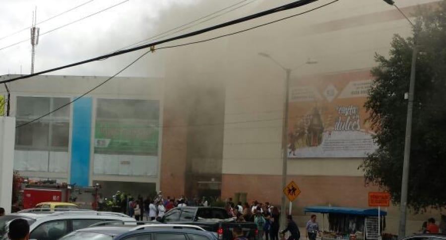 Explosión en centro comercial Cedritos