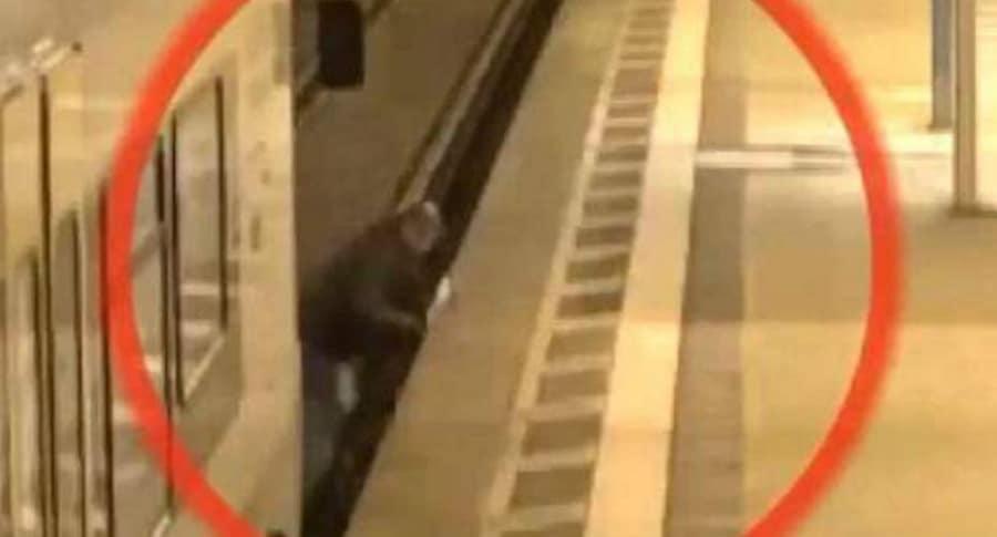 Tren golpea a hombre.