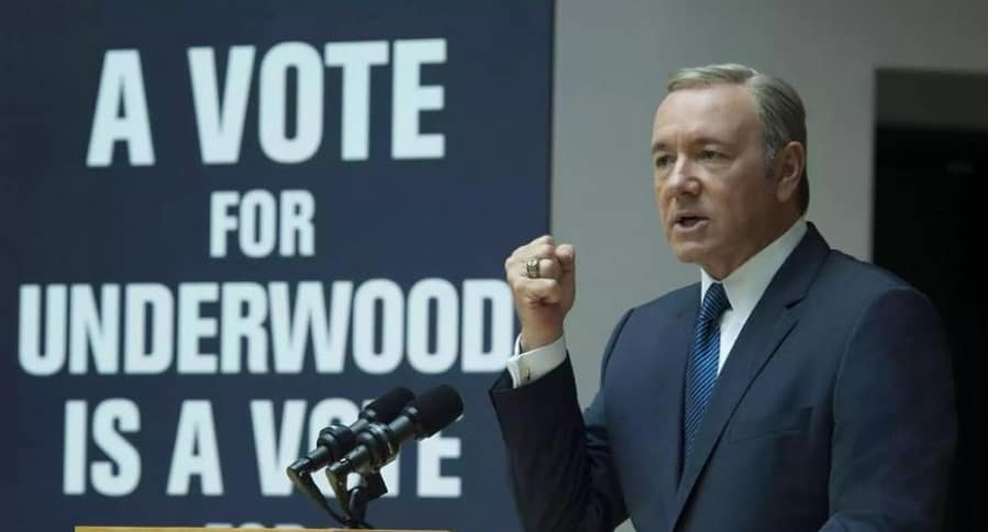 Kevin Spacey como Frank Underwood