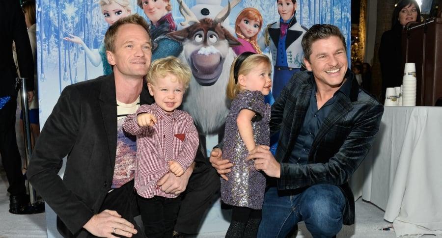 Neil Patrick Harris y David Burtka con sus hijos Gideon Scott y Harper Grace