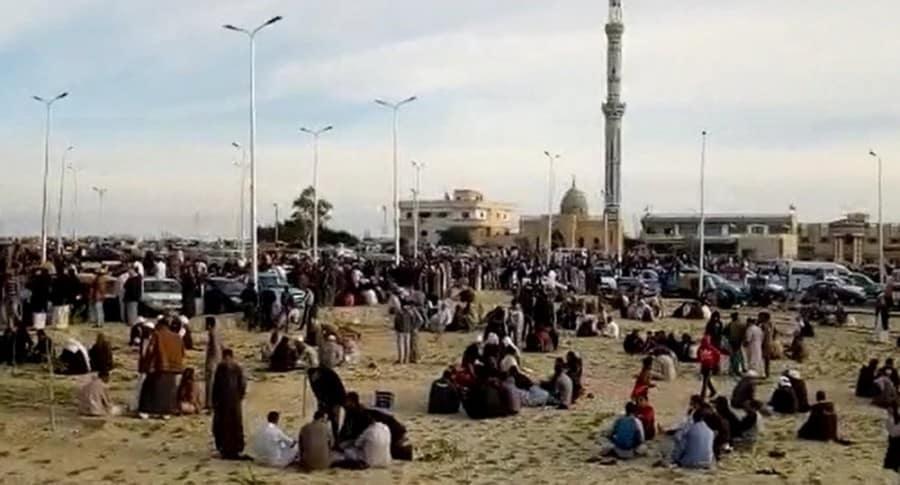 MÁS DE 235 MUERTOS EN ATENTADO EN MEZQUITA DEL SINAÍ EGIPCIO