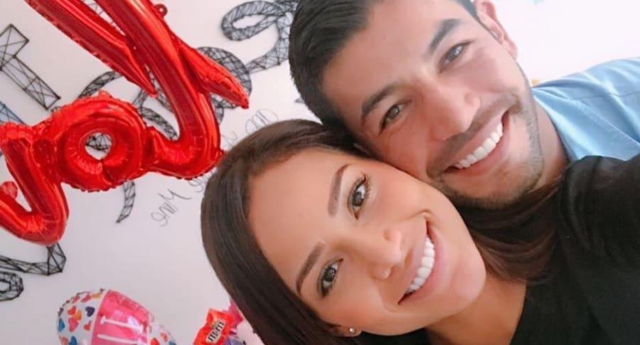 La exreina Andrea Tovar y su novio, el futbolista Julián Guillermo.