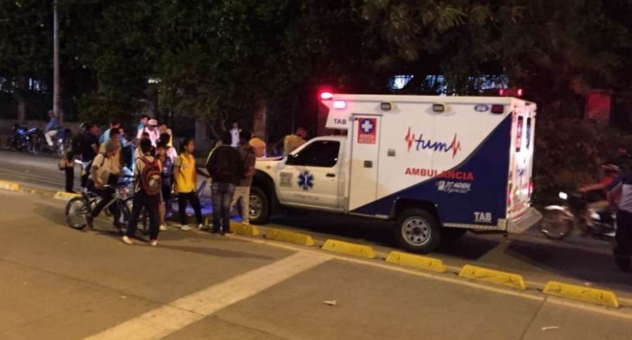 Ambulancia atropella a niño en Cali.