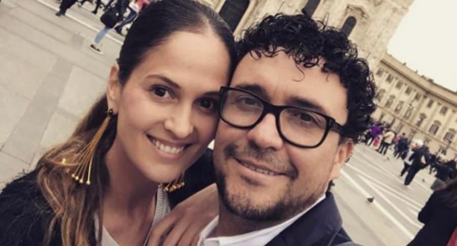 Andrés Cepeda y su esposa, Elisa Restrepo.