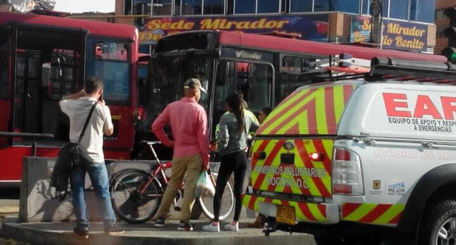 Accidente Entre Buses De Transmilenio En Patio Bonito