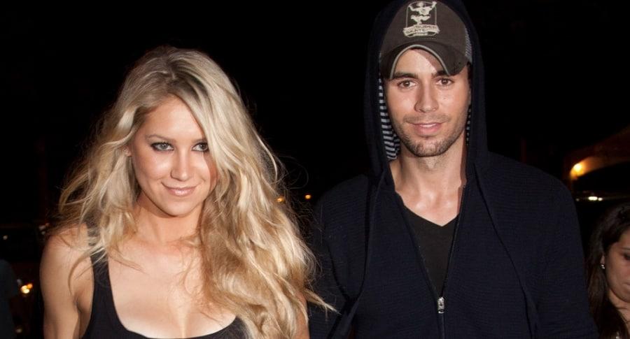 La extenista Anna Kournikova y su pareja, el cantante Enrique Iglesias.