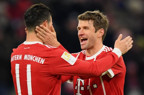 James Rodríguez y Thomas Muller