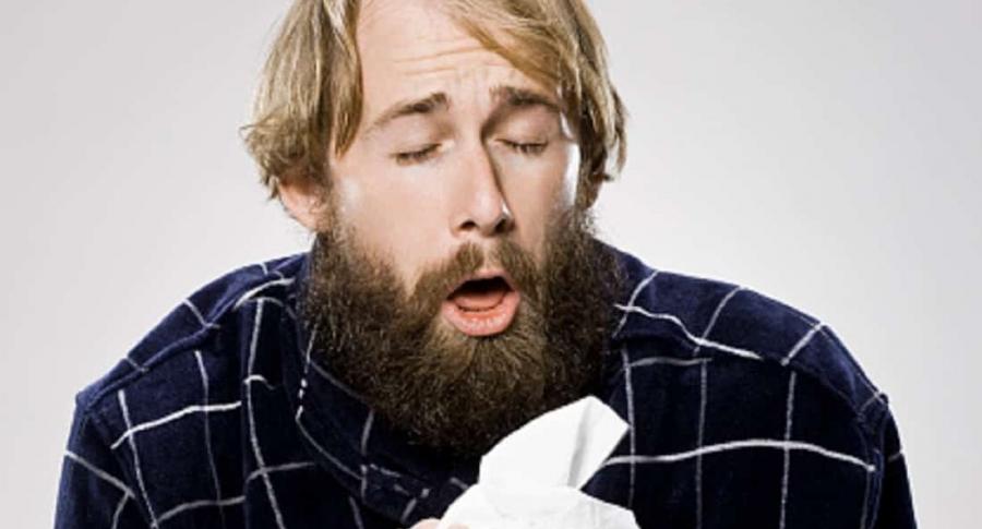 Estornudando