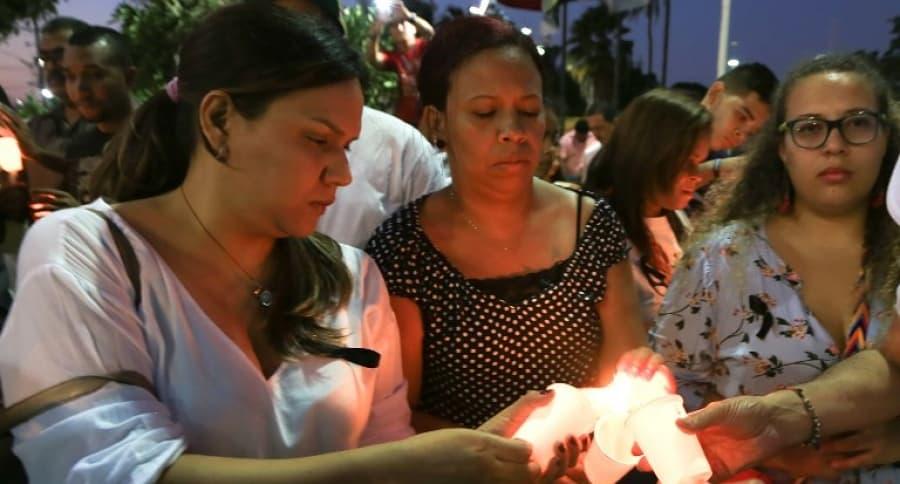 Homenaje a policías muertos en Barranquilla. Pulzo.