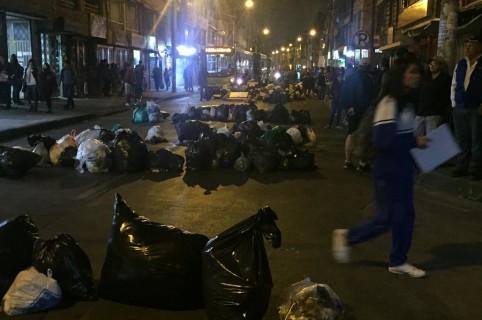 Protesta con basuras