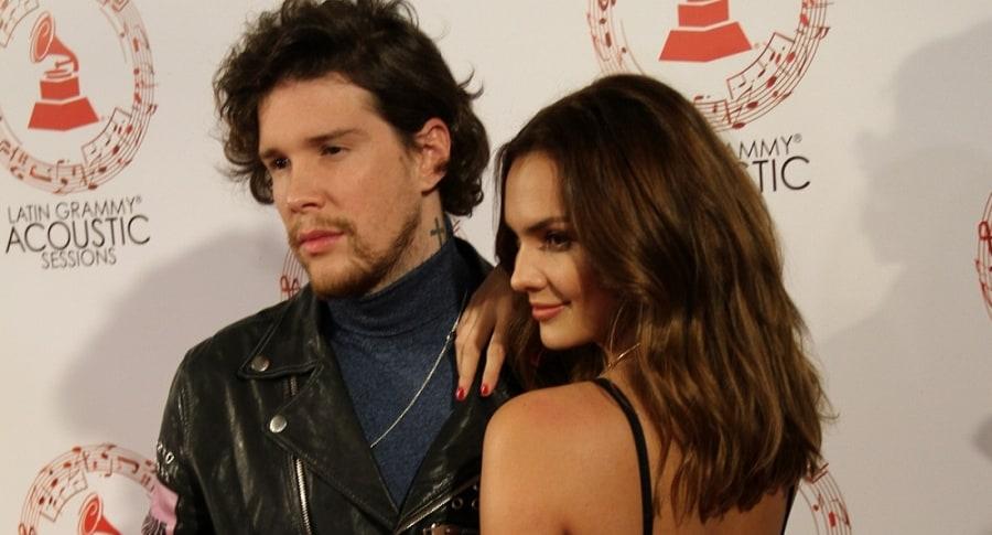 Danielle Arciniegas, actriz, y David 'DIM' Escobar, cantante de Piso 21.