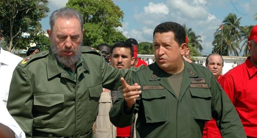 Fidel Castro y Hugo Chávez, ambos fallecidos.