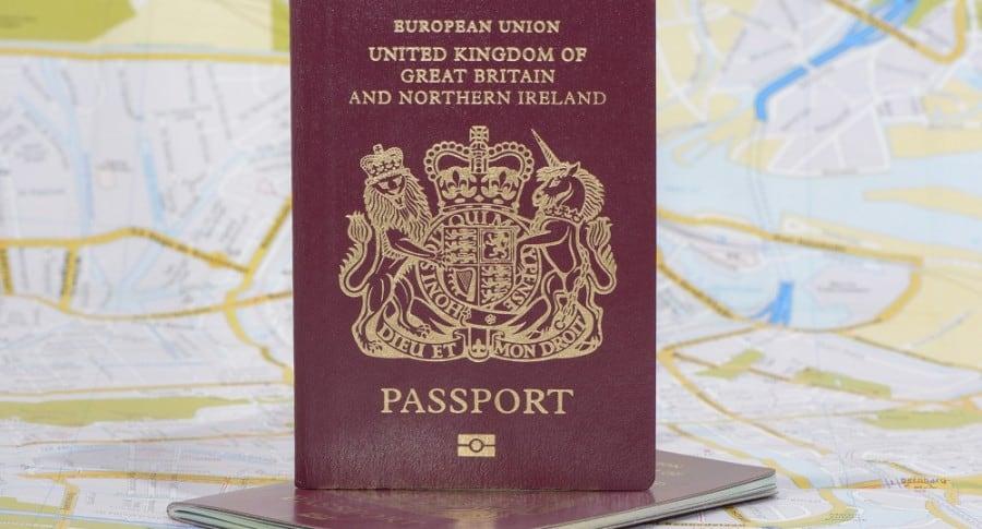 Pasaporte británico, todavía de la Unión Europea