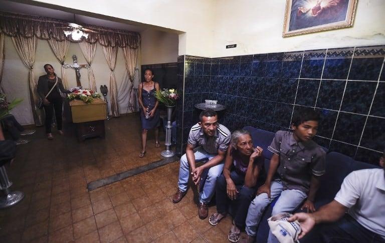 Duelo en Venezuela por muerte de 68 personas en cárcel de Carabobo