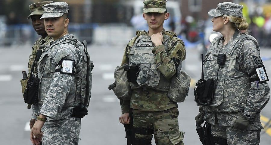 Miembros de la Guardia Nacional de Estados Unidos