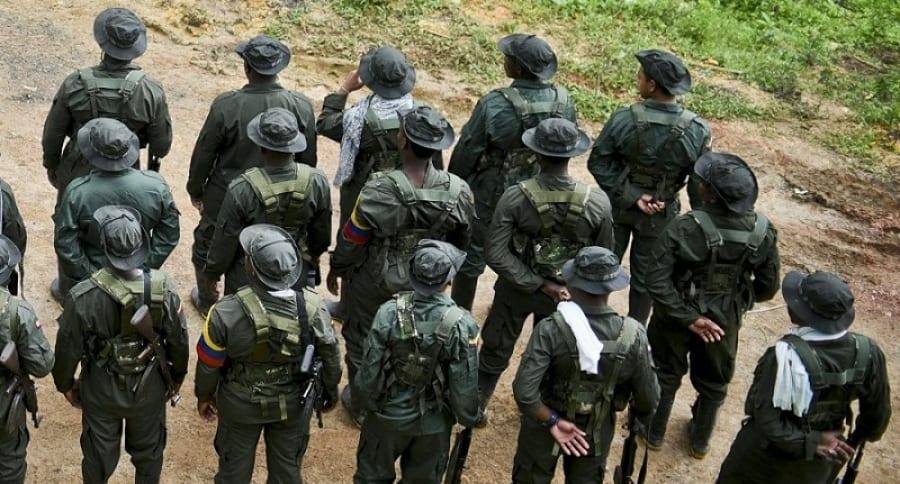 Grupo de hombres armados