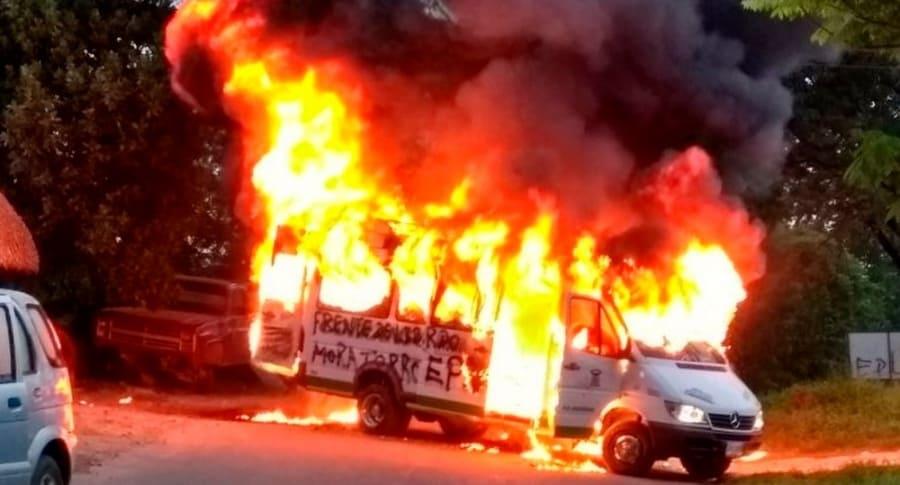 Vehículo incinerado en el Catatumbo.