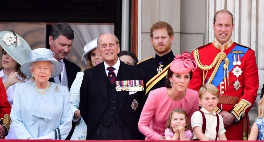 Reina Isabel II, Príncipe Philip, duque de Edinburgh, Príncipe Harry, Kate, duqeusa de Cambridge, Príncipe William, Duque de Cambridge, Princesa Charlotte de Cambridge, Príncipe George de Cambridge