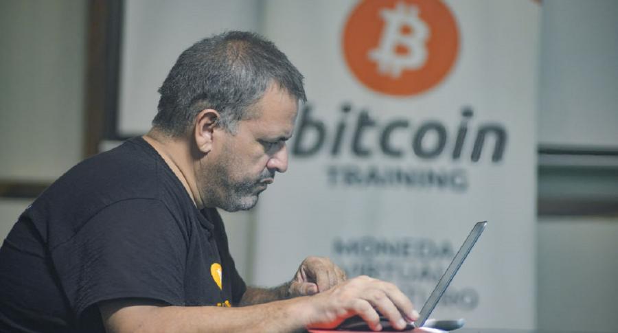 El Salvador legaliza el bitcóin como moneda de intercambio